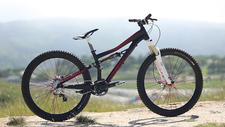 mountain bike Specialized per l'Enduro
